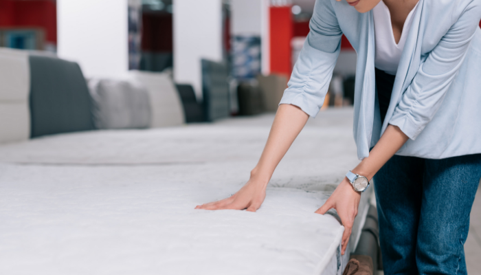 Dette geniale trikset fjerner flekkene på madrassen